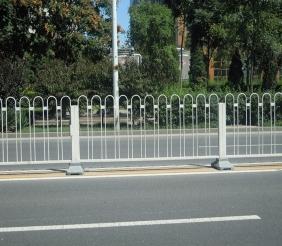 五大连池锌钢交通护栏